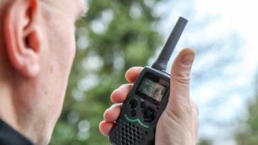 11 Tips On How To Choose The Best Two Way Radios For Your Construction Business